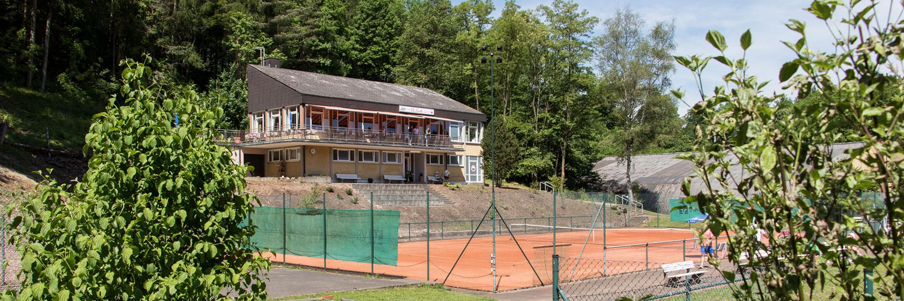 Ansicht auf das Vereinsheim des Tennisclub Weiß-Rot Coburg